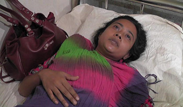 স্ত্রীর মর্যাদা চাইতে গিয়ে নির্যাতিত হলেন ছাত্রলীগ নেত্রী