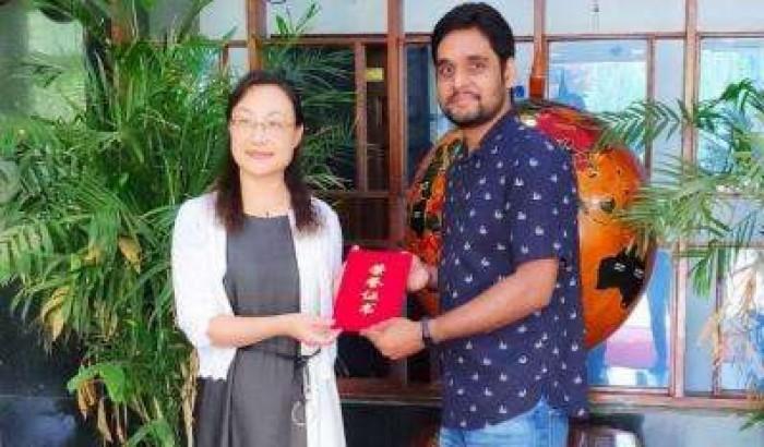 চীনে সেরা ছাত্রের অ্যাওয়ার্ড পেলেন বাংলাদেশি রিশাদ