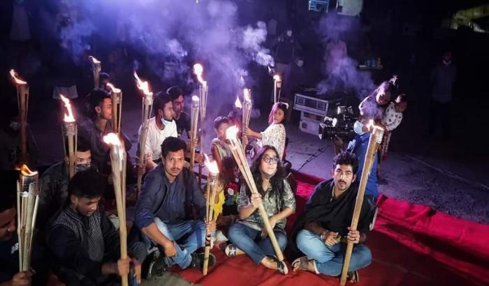 টিএসসিতে ধর্ম ব্যবসা ও মৌলবাদ বিরোধী প্রতিবাদী সন্ধ্যা