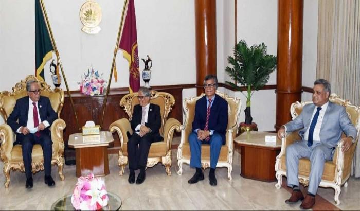 রাষ্ট্রপতির সঙ্গে ঢাবি ভিসি ও দুই প্রো-ভিসির সাক্ষাৎ