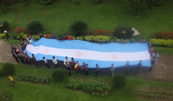বিশ্বকাপ ফুটবল উন্মাদনায় ঢাকা বিশ্ববিদ্যালয় শিক্ষার্থীরা