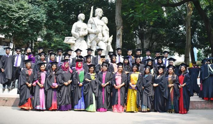 ঢাকা বিশ্ববিদ্যালয়ে গ্র্যাজুয়েটদের শপথ হোক 'সমৃদ্ধ বাংলাদেশ গড়ার'