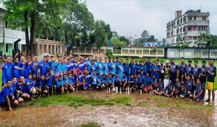 নাঙ্গলকোটে পাবলিক বিশ্ববিদ্যালয় শিক্ষার্থীদের ফুটবল প্রতিযোগিতা
