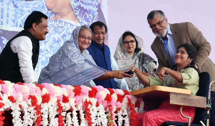 প্রতিবন্ধীদের সম্পর্কে 'নেতিবাচক মানসিকতা' পরিহার করুন: প্রধানমন্ত্রী