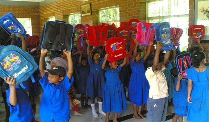 শিক্ষার্থীদের স্কুলব্যাগের কোটি টাকা আত্মসাত, তিনজনের কারাদণ্ড
