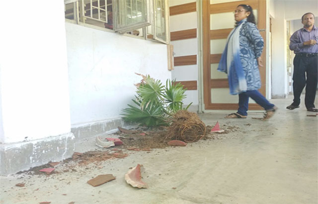 BCL activists run riot at CU demanding teacher's removal