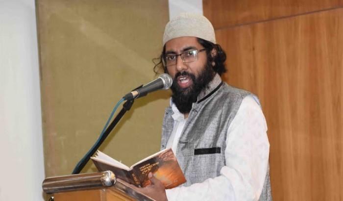 হঠাত জাগ্রত কে এই কবি মুহিব খান?