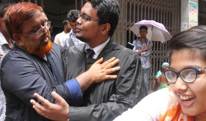 ২৫ শিক্ষার্থীর জামিন, স্বজনদের চোখে আনন্দাশ্রু
