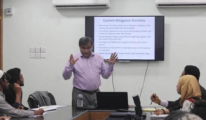 ঢাকা বিশ্ববিদ্যালয়ে ক্লাস নেবেন ড. হাছান মাহমুদ