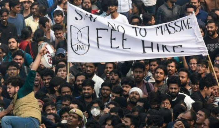 ফি বৃদ্ধি: জওহরলাল নেহরু বিশ্ববিদ্যালয়ের অচলাবস্থা কাটছেই না