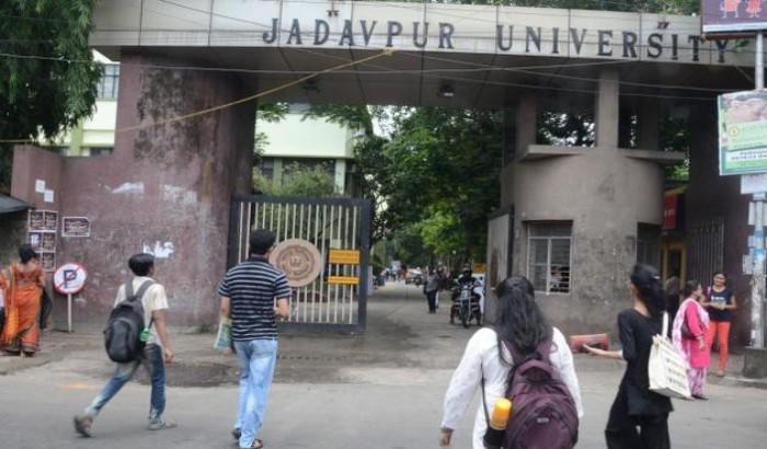যাদবপুর বিশ্ববিদ্যালয়ে বেড়েছে চুরি, উদ্বিগ্ন শিক্ষকেরা