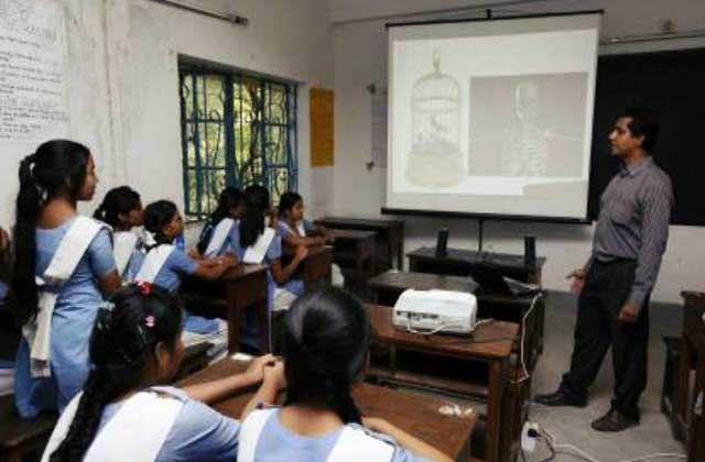 মাল্টিমিডিয়া ক্লাসরুম পাচ্ছে ৬৫ হাজার প্রাথমিক বিদ্যালয়