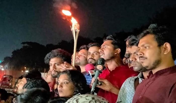 দুর্নীতিবাজ জাবি ভিসিকে রক্ষায় হামলা চালিয়েছে ছাত্রলীগ: ভিপি নুর