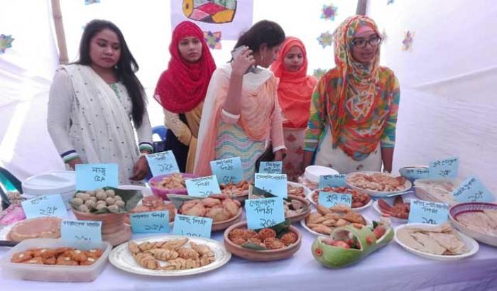বরিশাল বিশ্ববিদ্যালয়ে রকমারি 'পিঠা উৎসব'