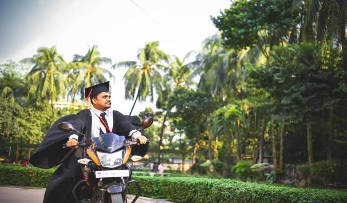 ঢাকা বিশ্ববিদ্যালয় ক্যাম্পাসে সমাবর্তনের হাওয়া