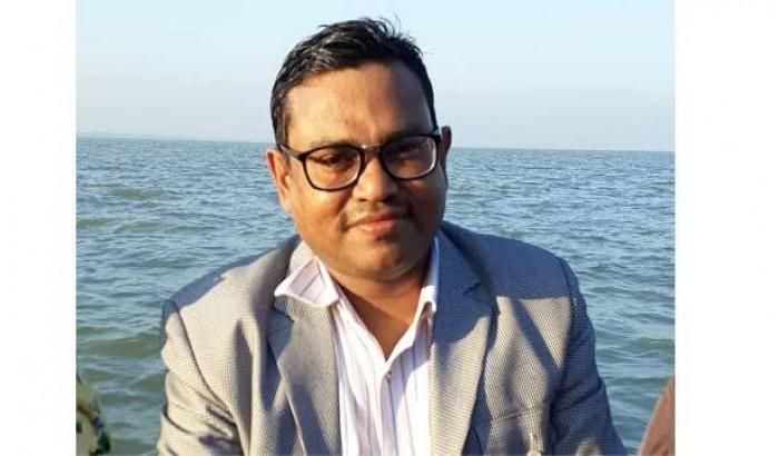 ঢাকা বিশ্ববিদ্যালয়ের অধ্যাপক শুনেই পালালো ছিনতাইকারী