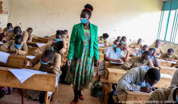 দক্ষিণ আফ্রিকায় শিক্ষাপ্রতিষ্ঠান চালুর সিদ্ধান্ত