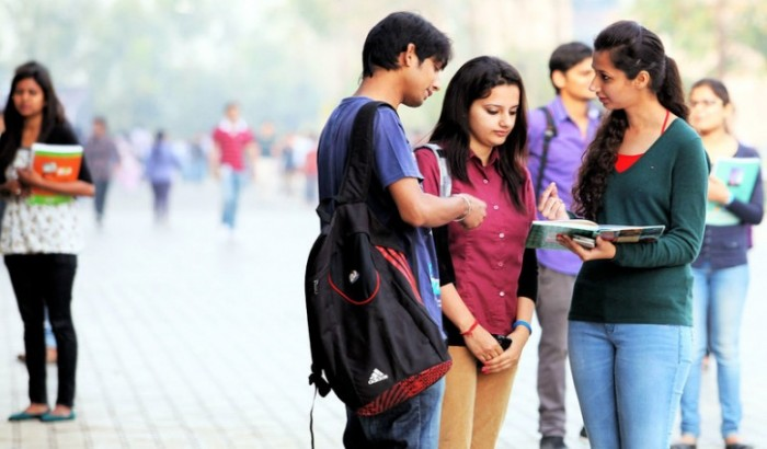 প্রেমের কারণে কলেজ থেকে বহিষ্কার নয়: ভারতীয় আদালত